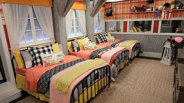 7) Bedroom 2.jpg