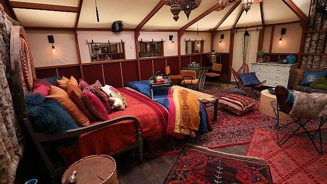 9) HOH Room.jpg